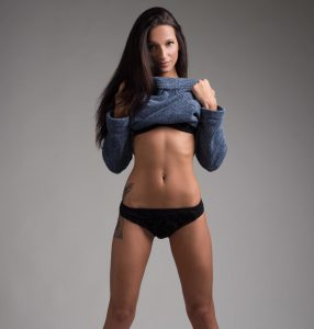 Brunette With Fit Belly